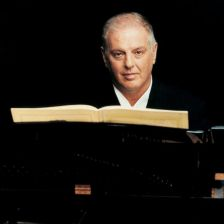 Daniel Barenboim to step down from La Scala two years early