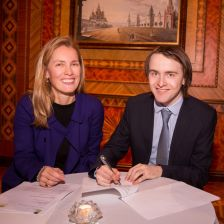 Daniil Trifonov signs to Deutsche Grammophon