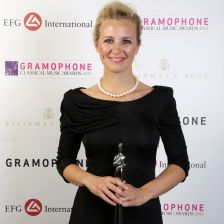 Alison Balsom with her Artist of the Year Award in 2013